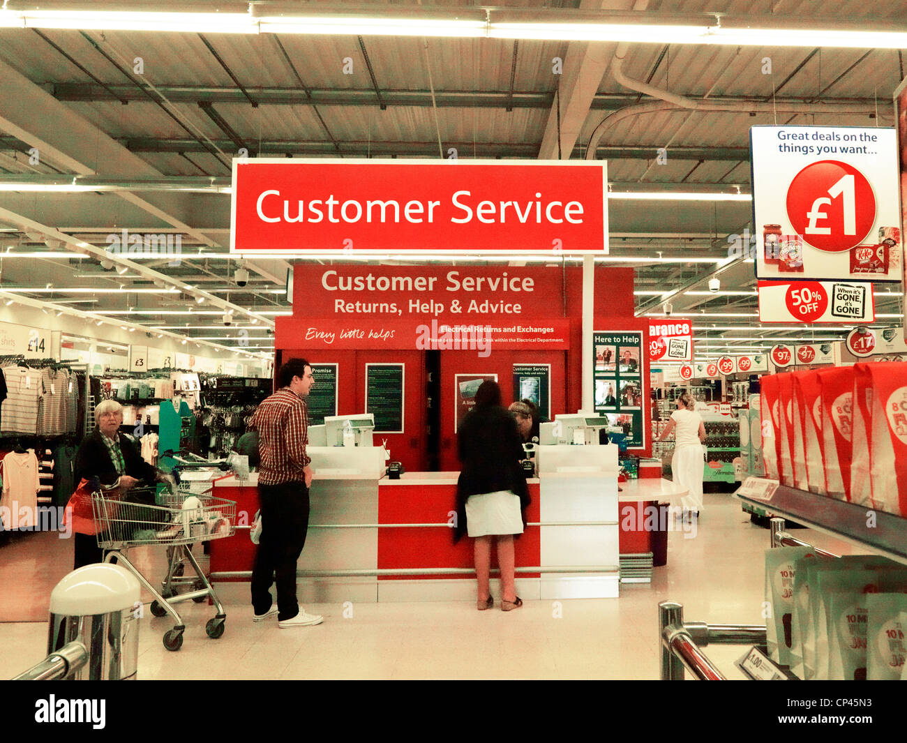 the customer service at supermarket In this article i will look at the customer service experience shopping in a  supermarket.