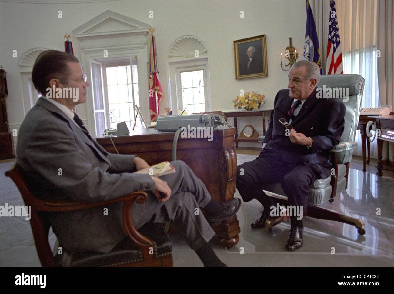 president lyndon johnson meeting with defense secretary robert in the oval nov lbj office