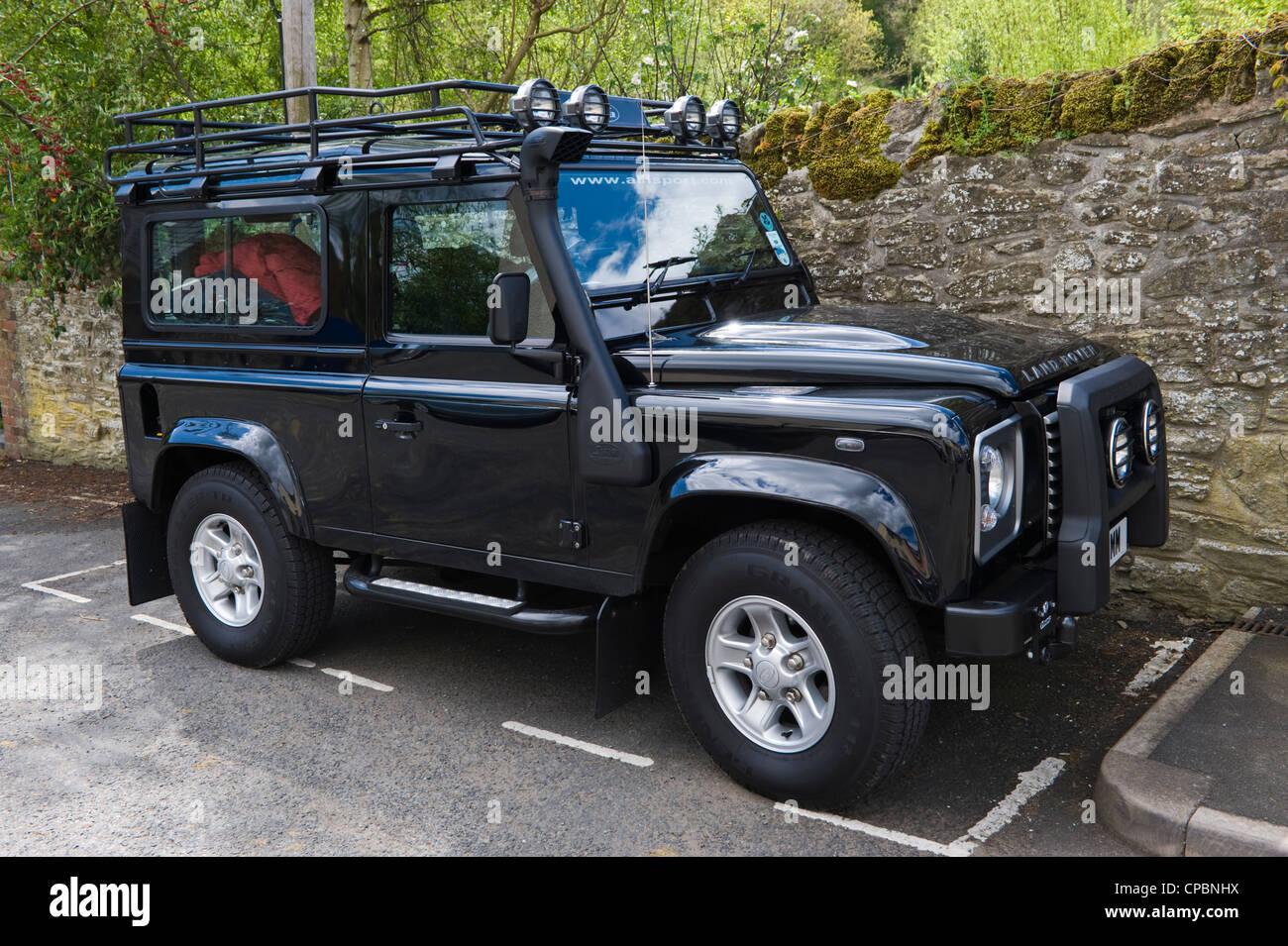 Black Land Rover Defender 90 2 4tdci 4x4 With Safari