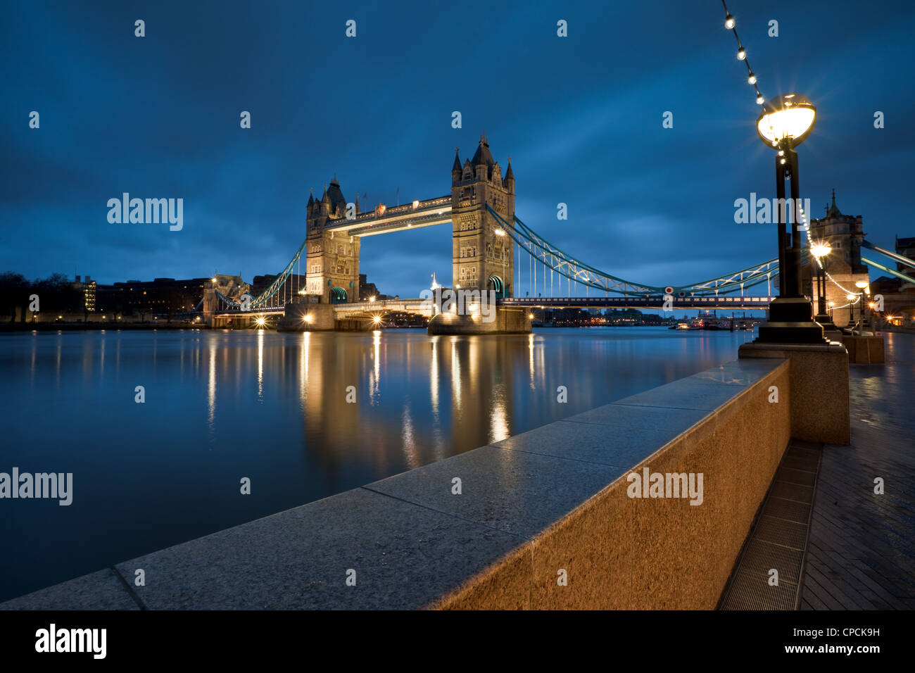 Night lights queens walk london - Tower Bridge Seen From Queen S Walk At Night London Stock Image