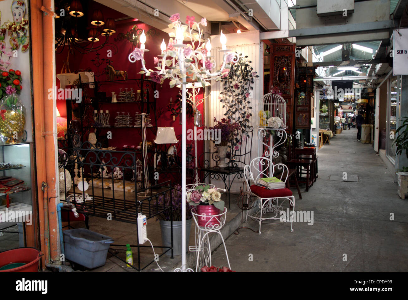 Furniture and home decorations shop in chatuchak weekend for Thailand home decor