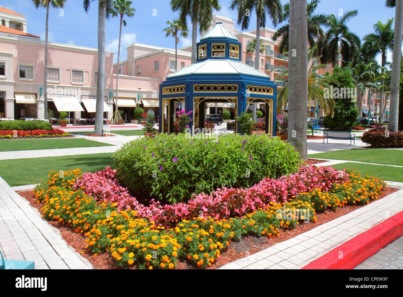 Boca Raton Florida Mizner Park Plaza Real upscale shopping business Stock Pho