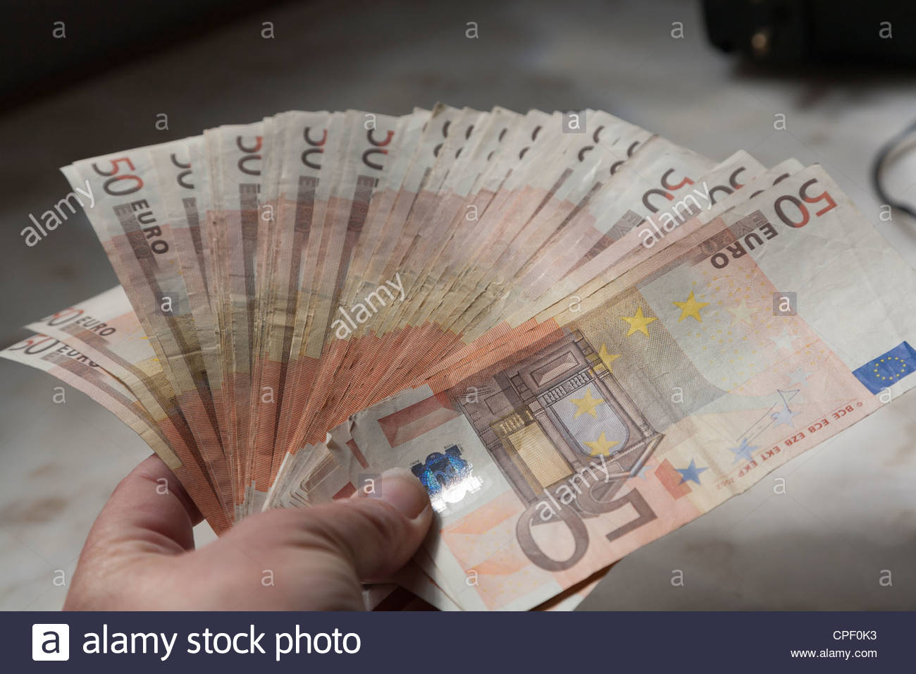 2 500 евро где купить 2 доллара одной купюрой