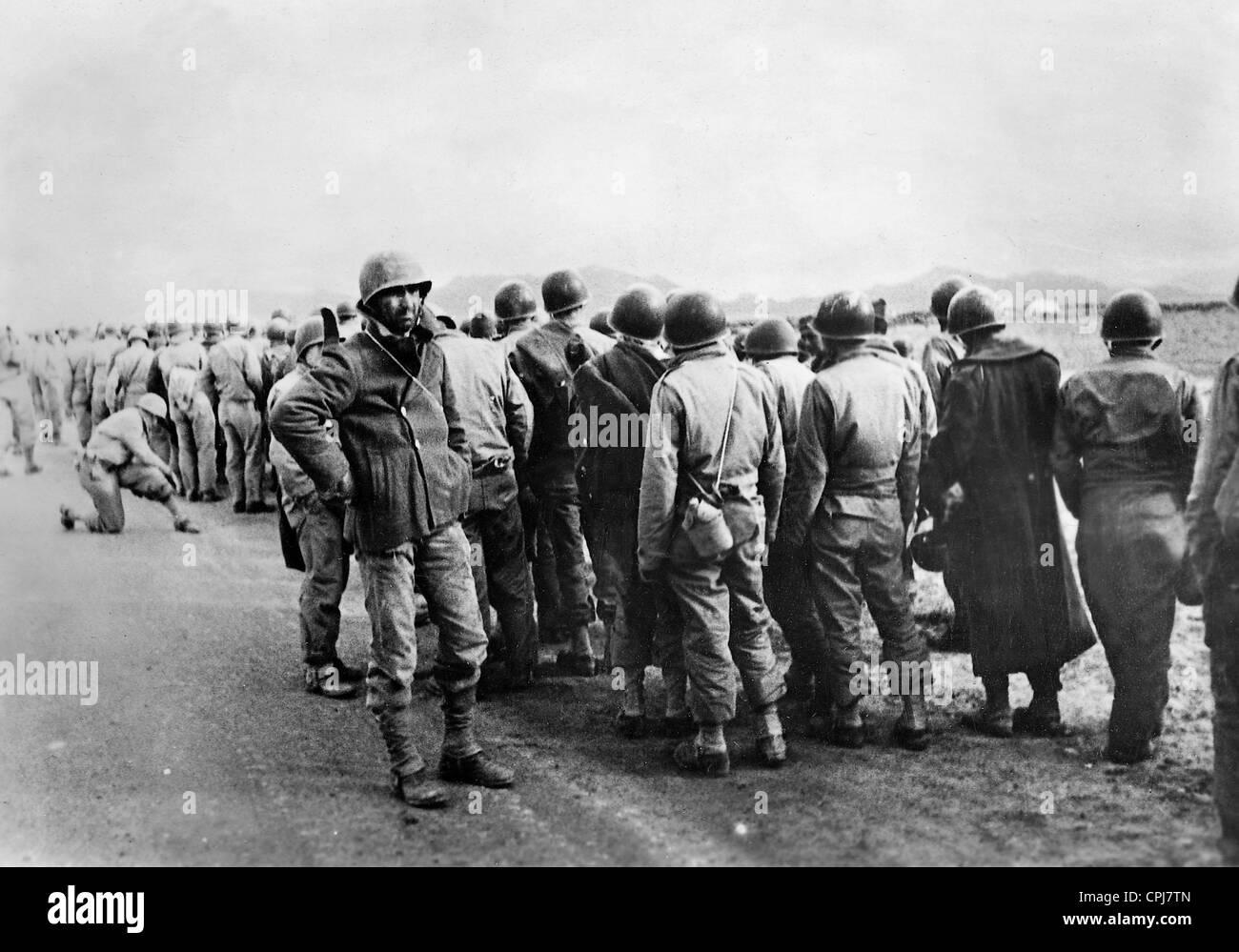 American prisoners of war in Tunisia, 1943 Stock Photo ...