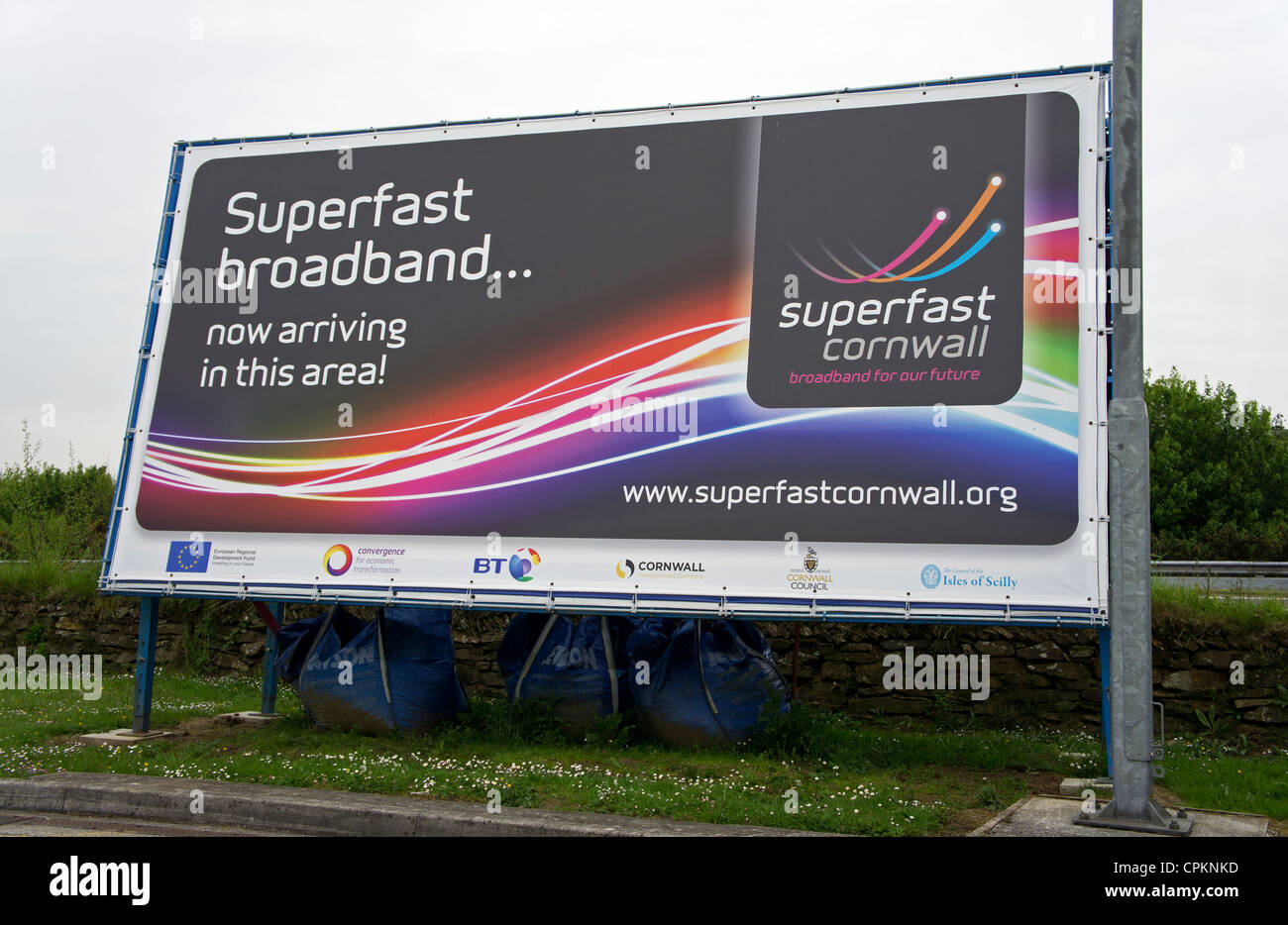 advertising billboards Digital billboards digital billboards are the perfect medium for advertiser who want the impact of traditional outdoor and the flexibility of internet advertising.