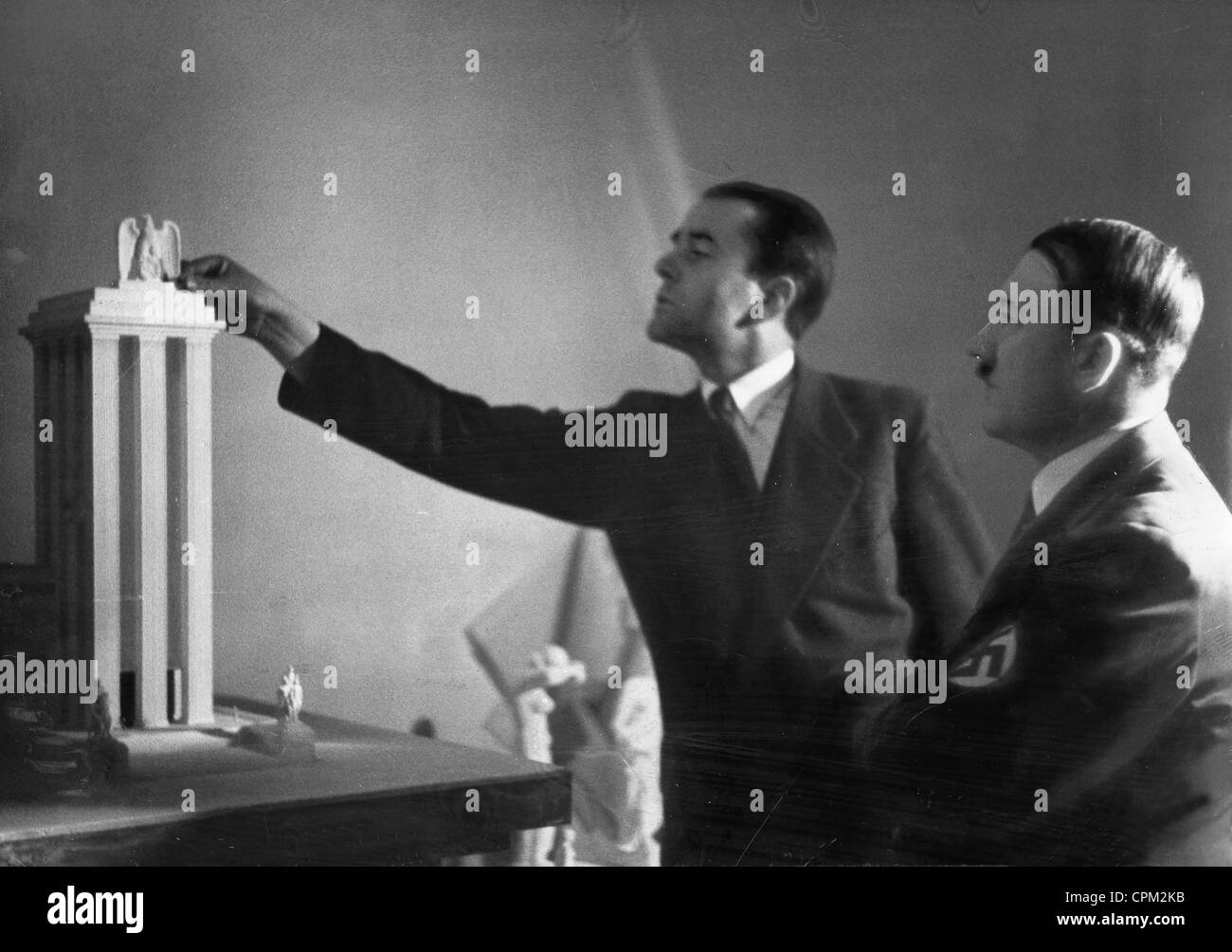 albert speer and the nazi party Describe albert speer's role in the nazi party from 1931 to 1945 overview: this report will give a background to albert speer, including his introduction to his career it will then outline.