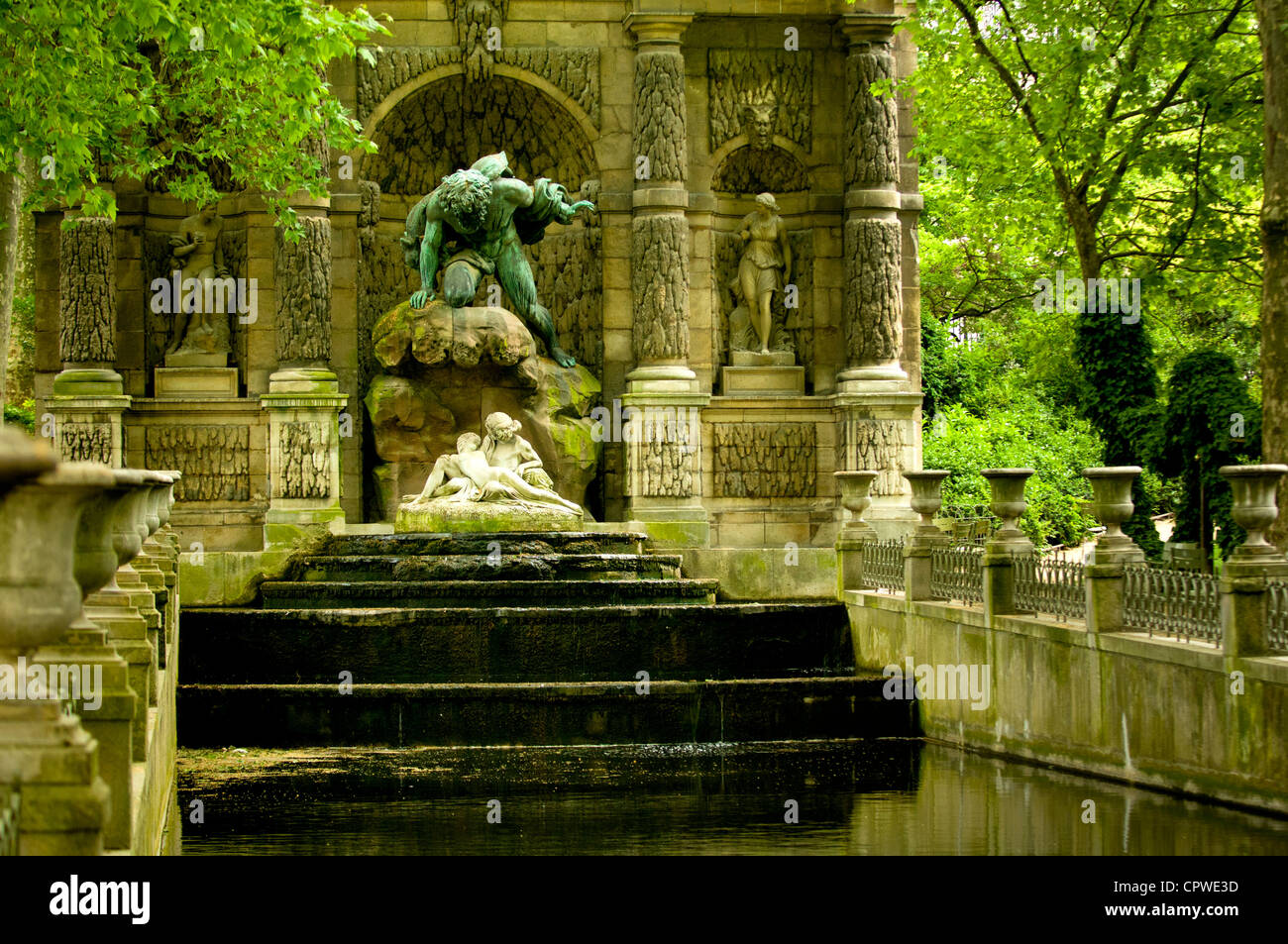 Medici fountain or fontaine de medicis jardin du luxembourg paris stock photo royalty free - Fontaine jardin du luxembourg ...