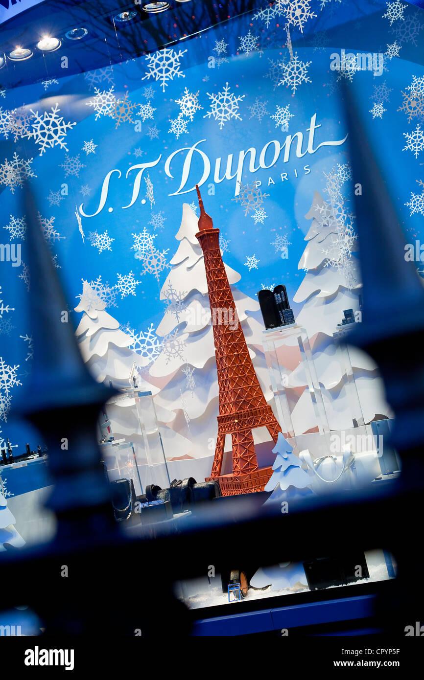 France, Paris, Avenue Montaigne, S.T. Dupont luxury shop Stock Photo ...