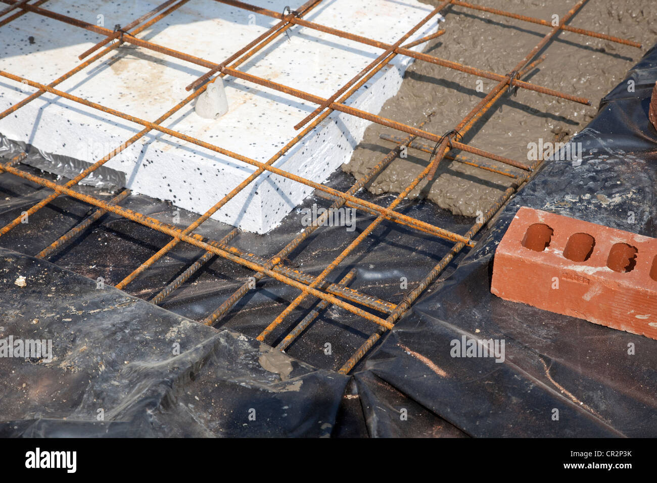how to build a concrete slab foundation