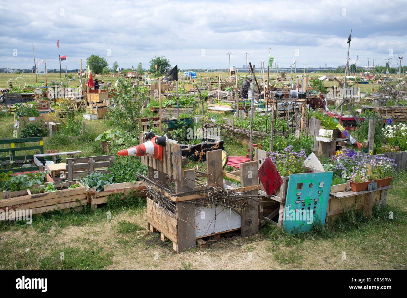 urban garden or allmende kontor at historic tempelhof airport now stock photo 48631405 alamy. Black Bedroom Furniture Sets. Home Design Ideas