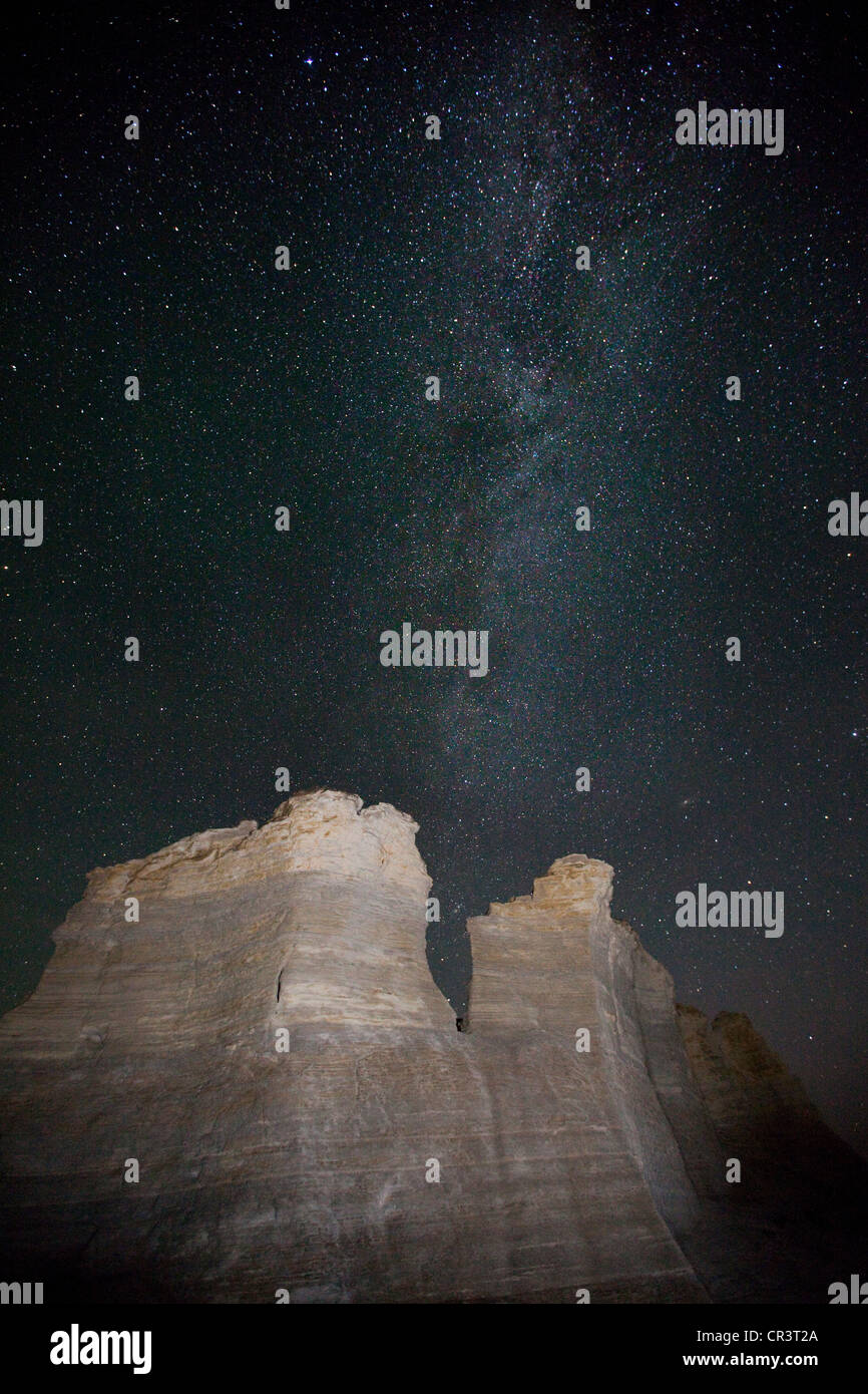 Kansas gove county grinnell - Rock Formations At Night With Milky Way Monument Rocks Chalk Pyramids Gove County
