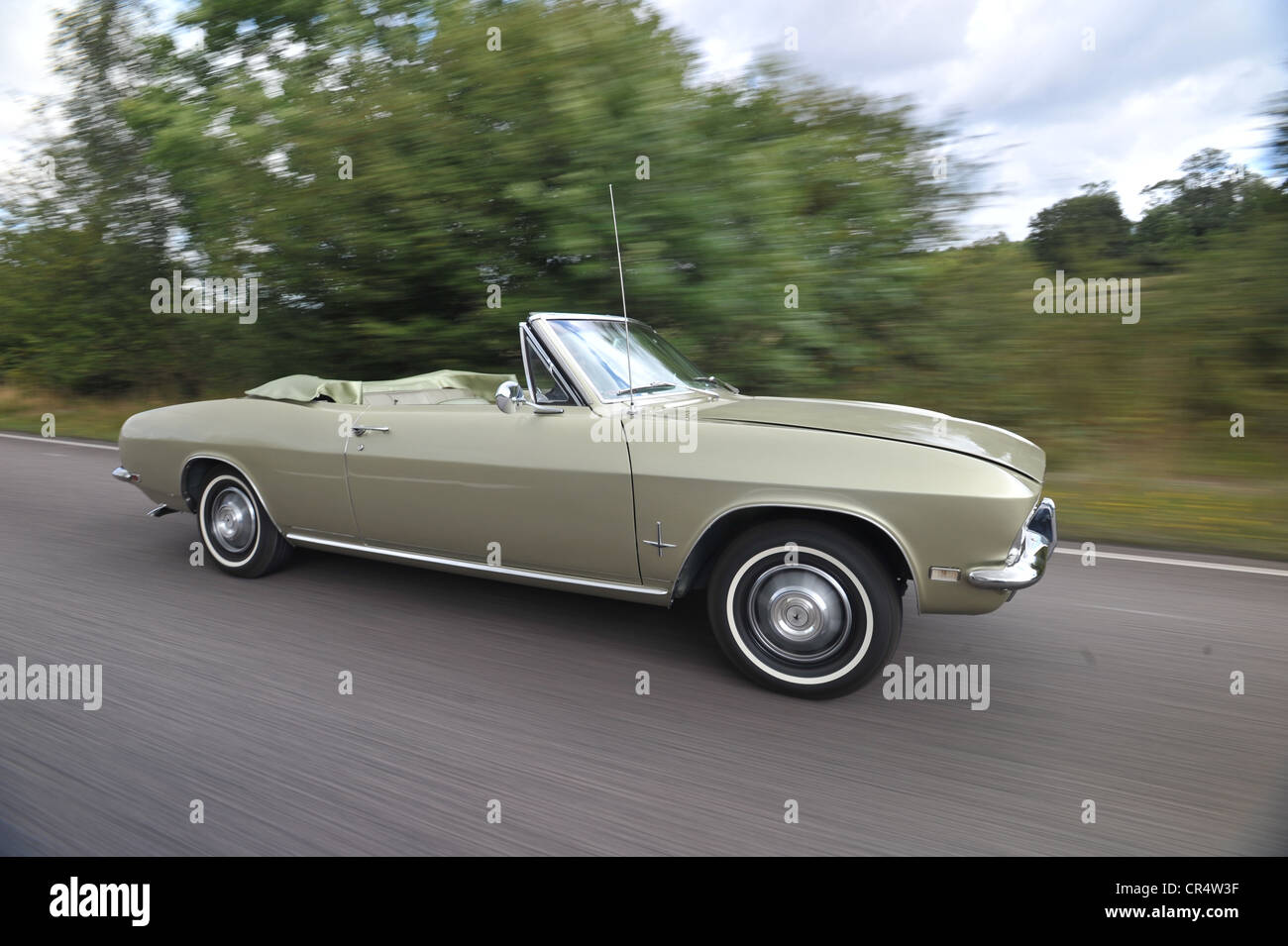 Chevrolet corvair convertible classic american rear engine for Classic american convertibles