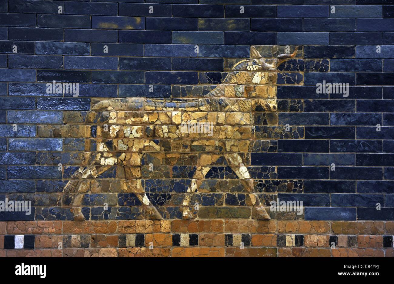 mesopotamian art neo babylonian ishtar gate an aurochs pergamon