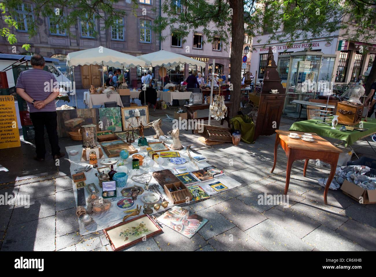 Flea market march aux puces at the rue du vieil h pital for Rue du miroir strasbourg