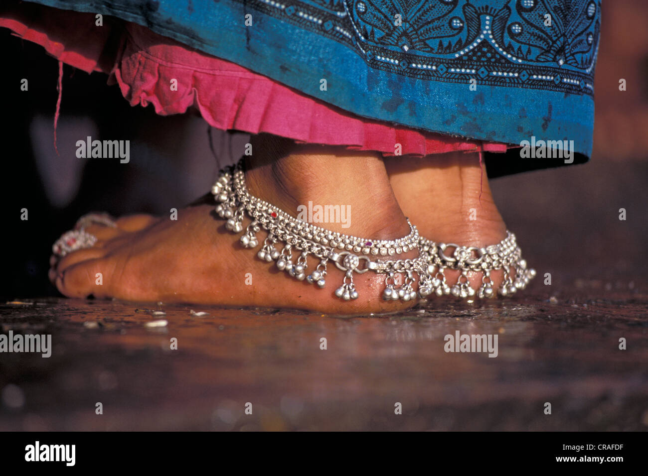 Women With Anklets Stock Photos & Women With Anklets Stock Images ...