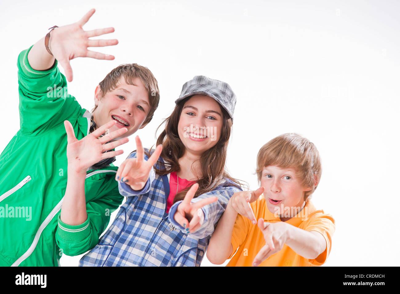 Трое и одна девушка фото 544-313