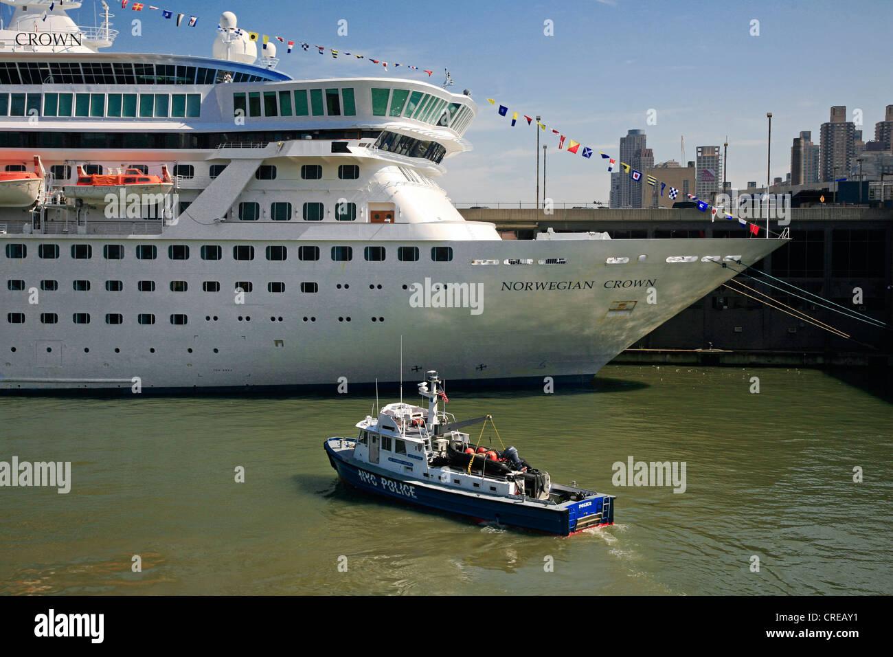 Hudson river boat wedding