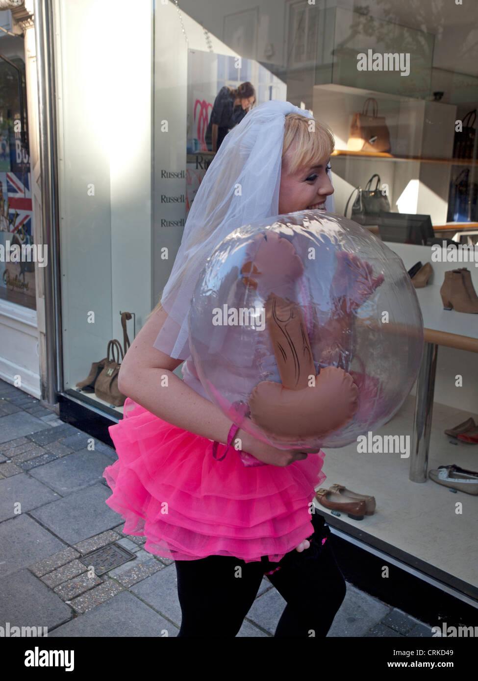 Фото невеста с пенисом 13 фотография
