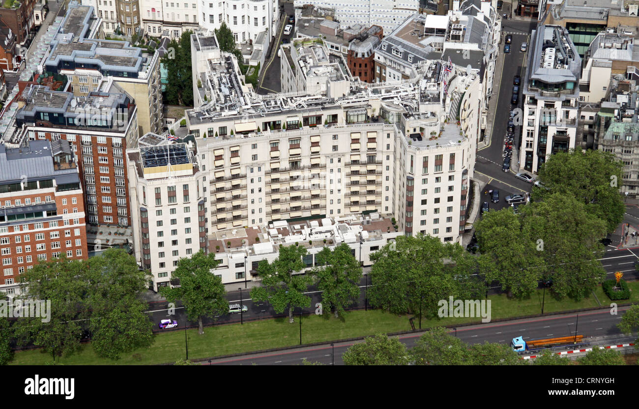 Souvent aerial view of the Dorchester Hotel on Park Lane, London W1 Stock  ZH64
