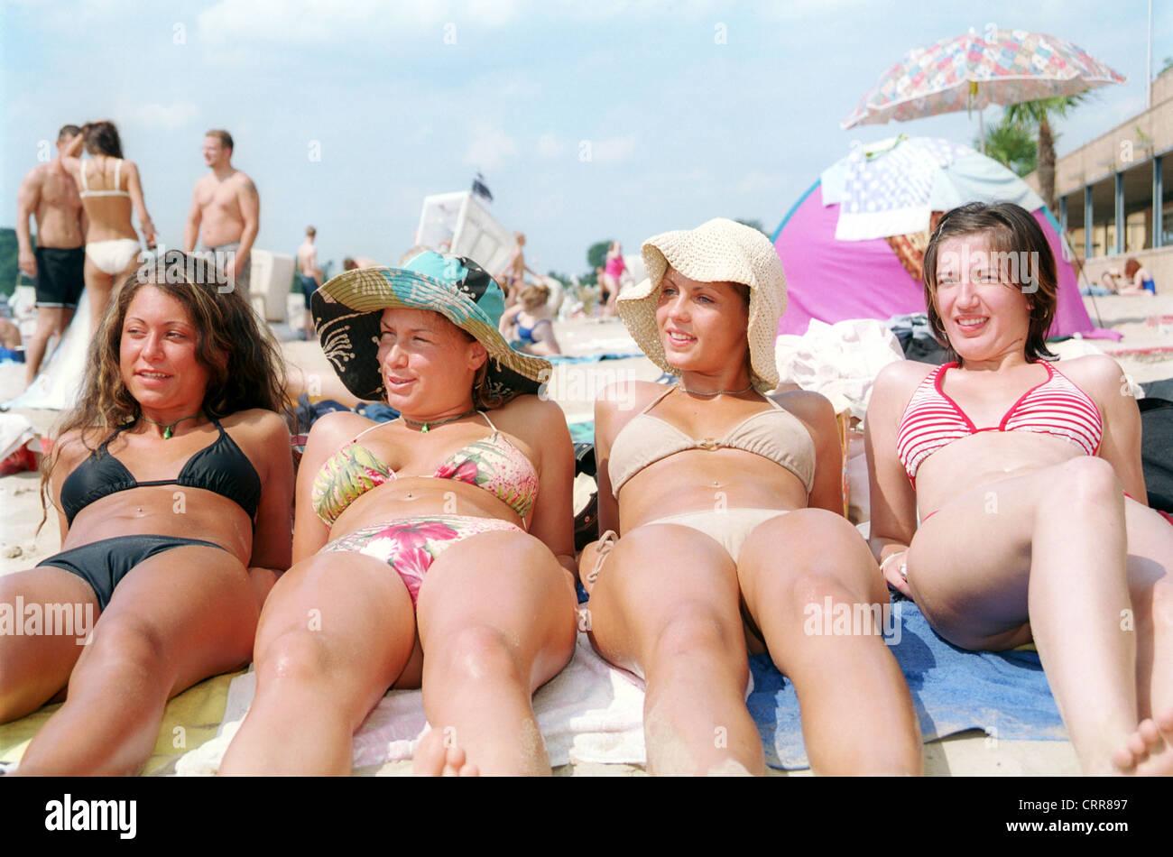 Photos Of Women Sunbathing Naked 79