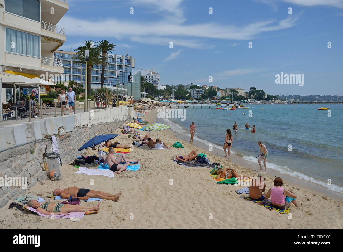 plage publique public beach juan les pins c te d 39 azur stock photo royalty free image. Black Bedroom Furniture Sets. Home Design Ideas