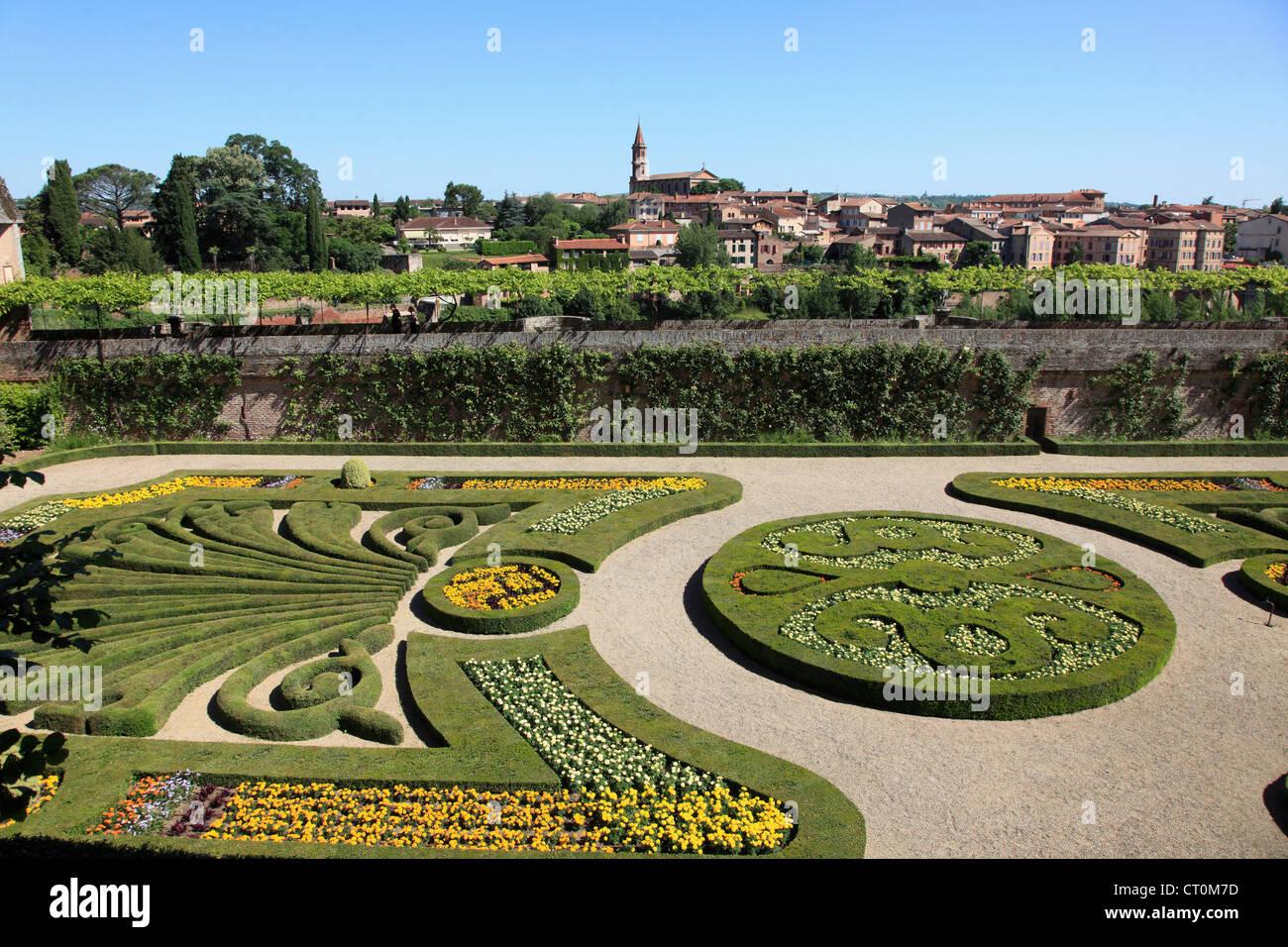 France midi pyr n es albi palais de la berbie jardin for Jardin remarquable
