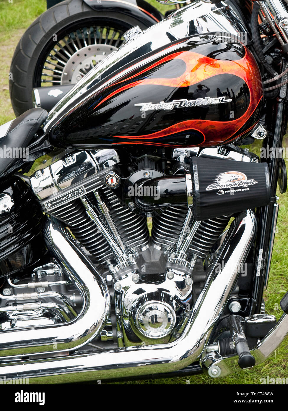 Classic harley davidson v twin chromed and customised for Motor city harley davidson hours