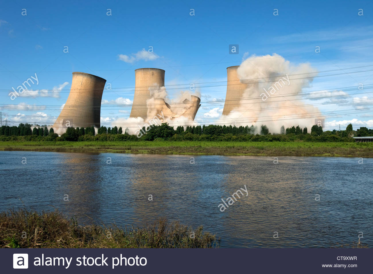 Cooling Tower Demolition : The demolition of high marnham coal fired power station