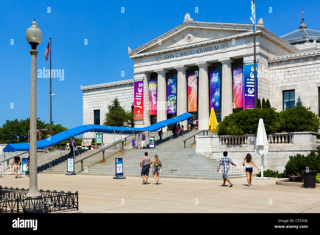 Shedd Aquarium Parking Open Full Map Airport Shuttle Bicycle Parking Car Wash Covered Parking On-Site Elevator EV Charger Guidance System Handicap Spaces In and Out Parking Lighting Airport/Venue Official Open 24/7 Over 7ft.