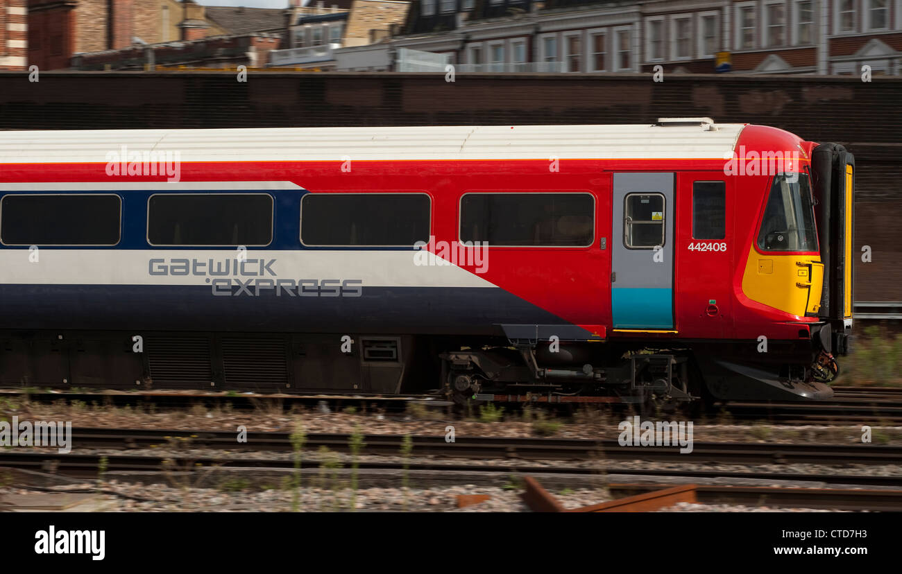 Side view of a Gatwick Express passenger train at Clapham ...
