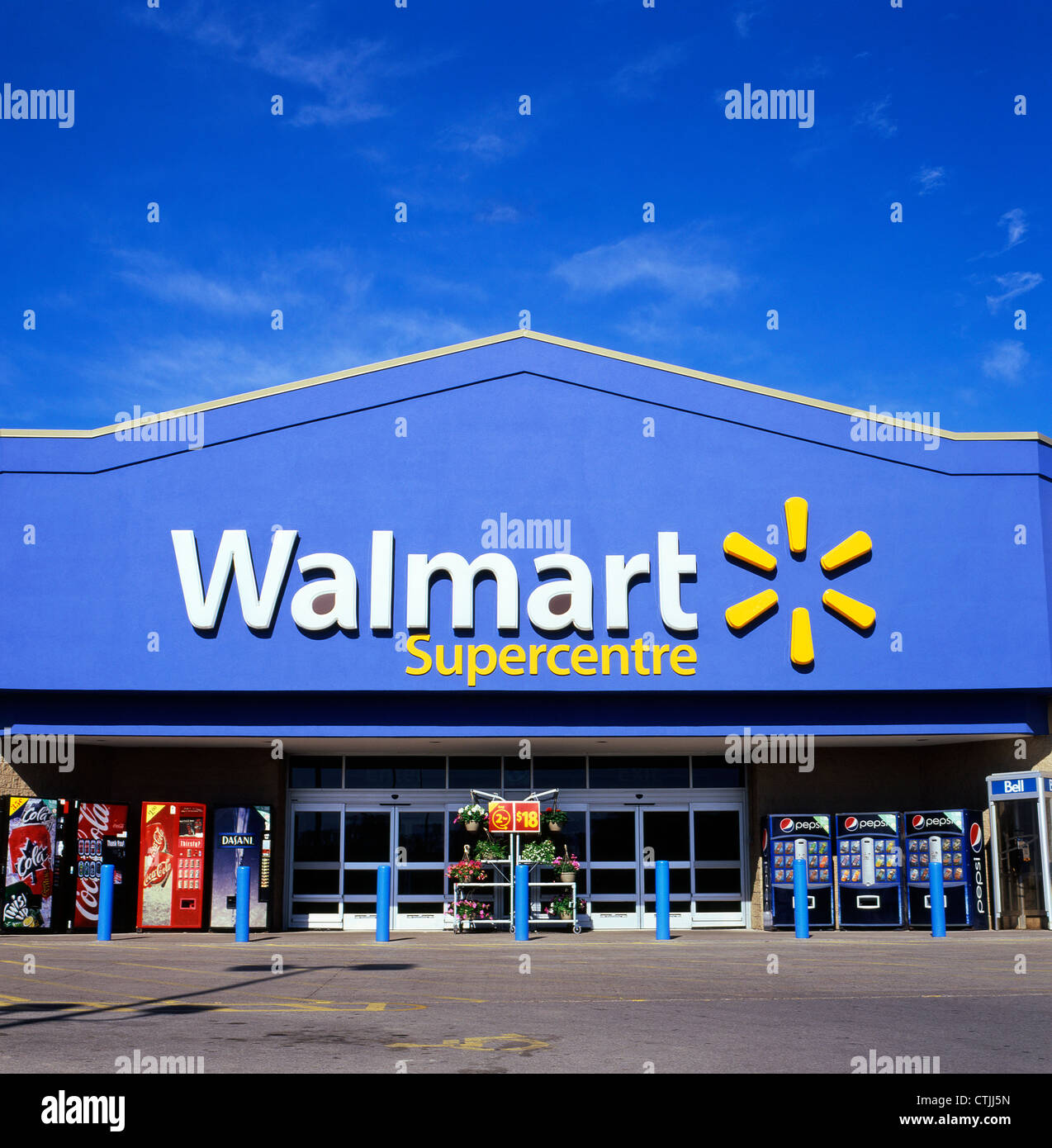walmart sign stock photos walmart sign stock images alamy front view of a walmart supercentre store exterior sign logo ontario kathy dewitt stock