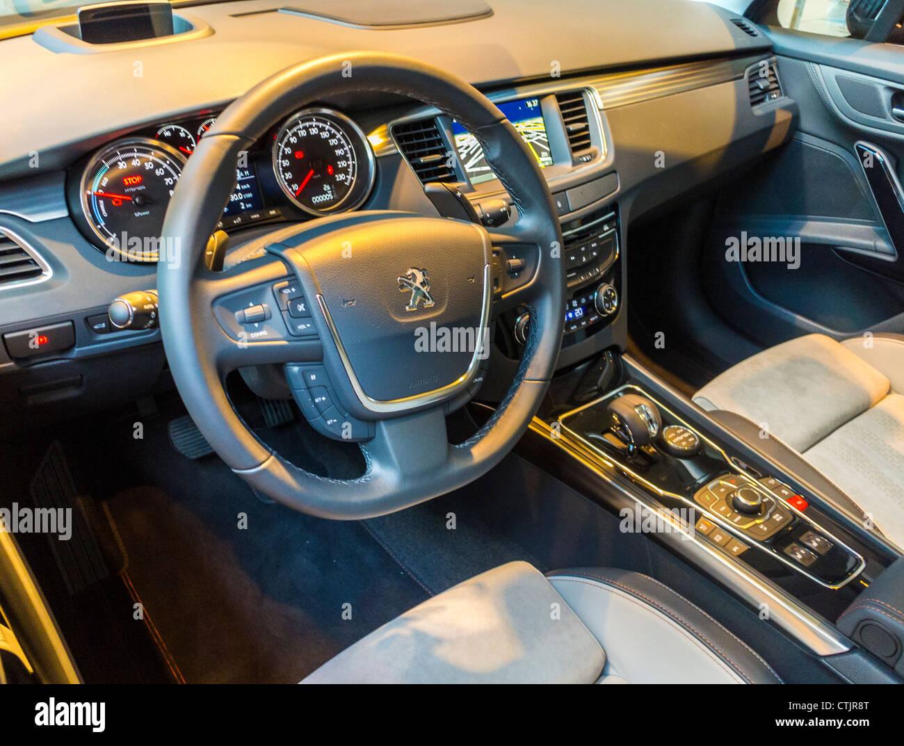 "paris france, ""steering wheel"", ""psa peugeot citroen"" car company"