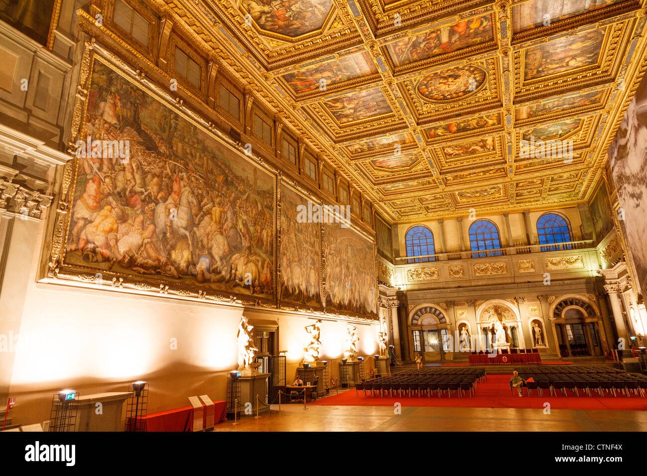 Salone dei cinquecento in palazzo vecchio florence stock for Salone mobile firenze