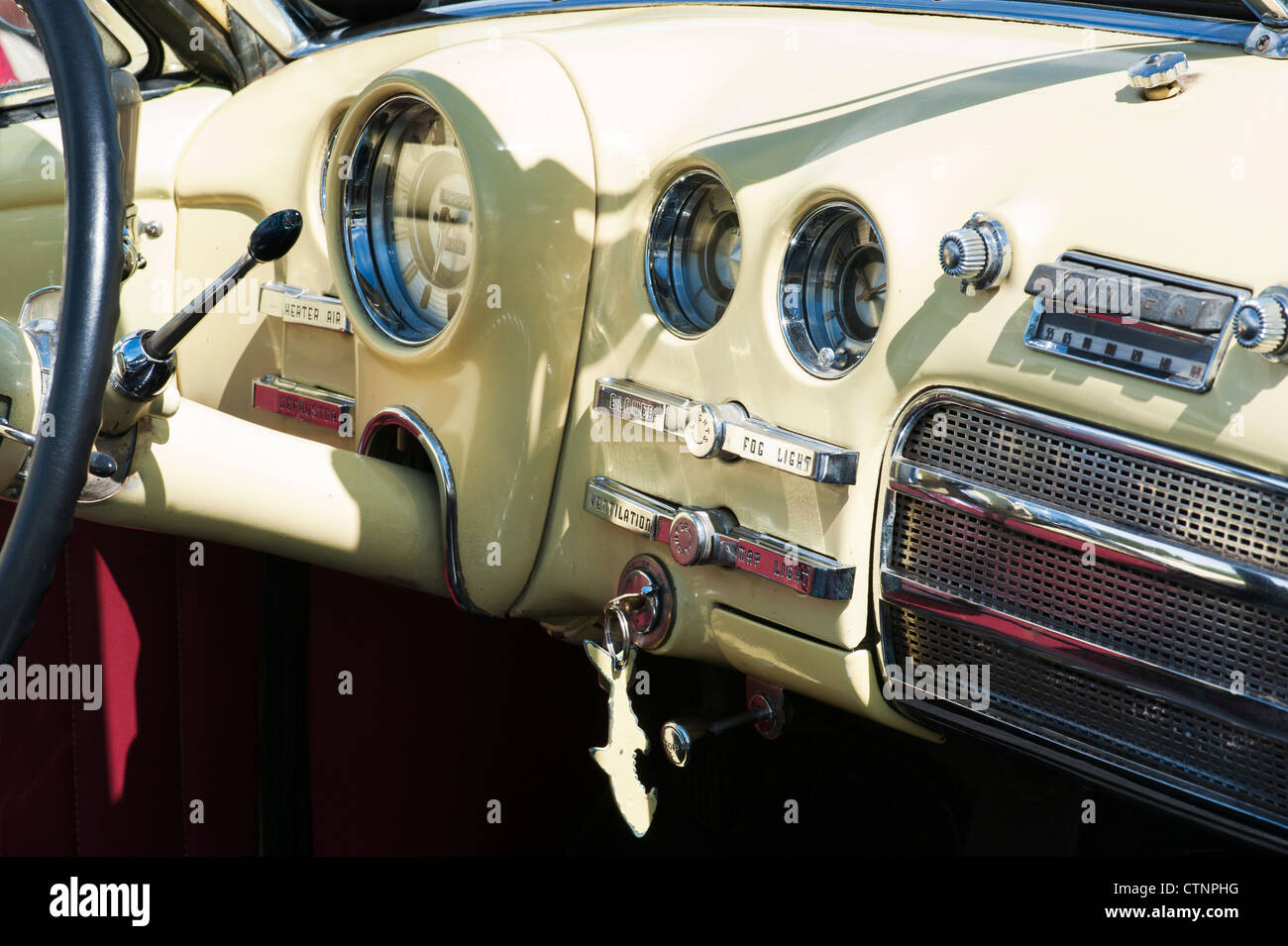 1949 buick super dynaflow dash classic american car stock photo royalty free image 49651212. Black Bedroom Furniture Sets. Home Design Ideas