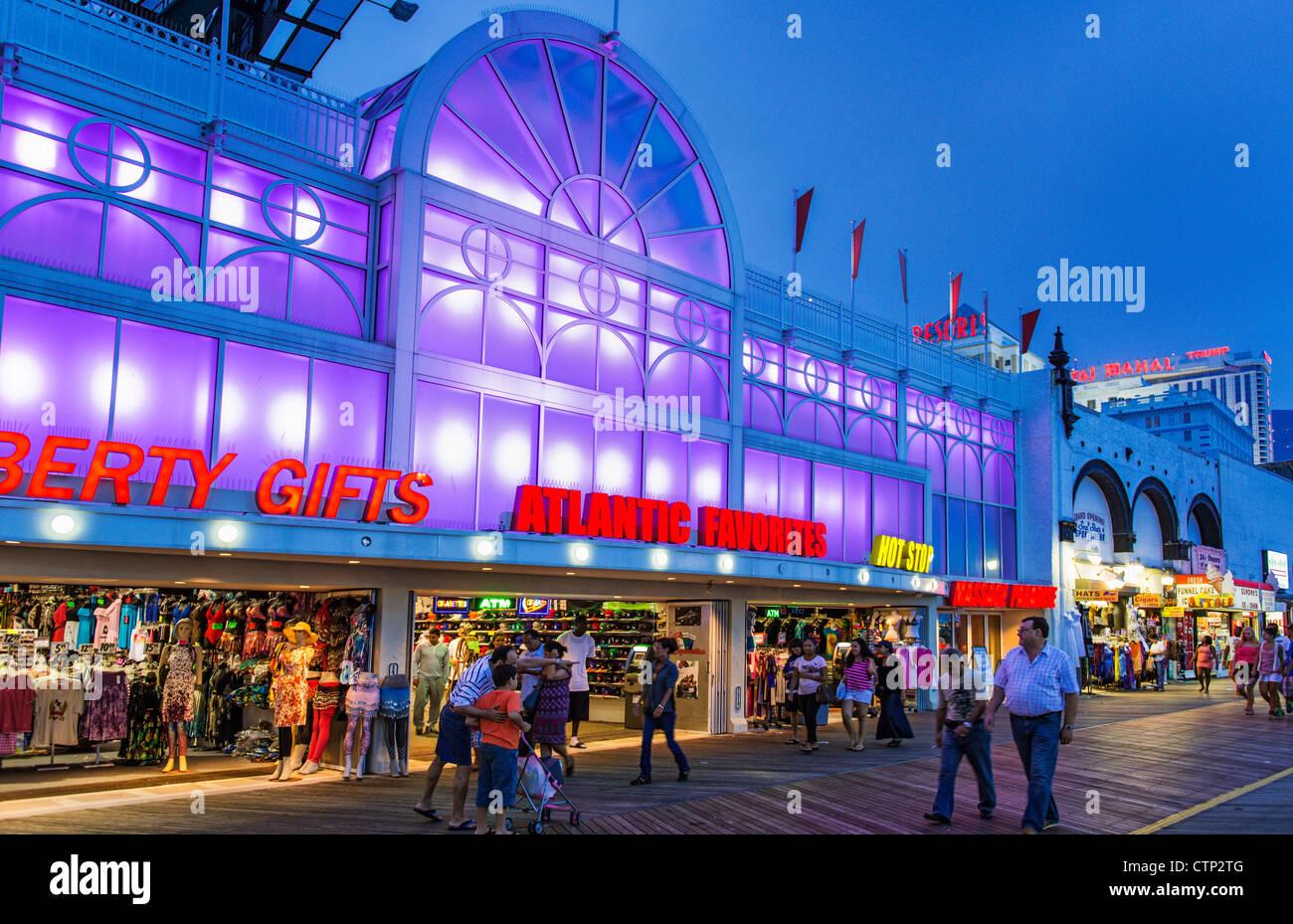 Gift shop on boardwalk, Atlantic City, New Jersey, USA Stock Photo ...