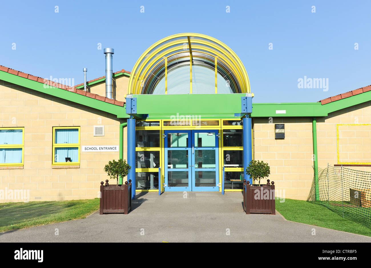 Modern school building entrance uk infant junior school for Modern school building designs