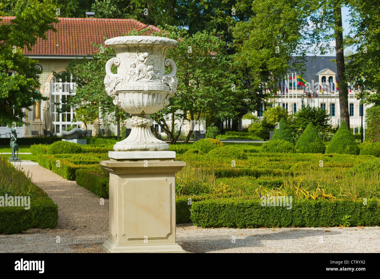 Luxembourg country mondorf les bains park of the for Piscine mondorf