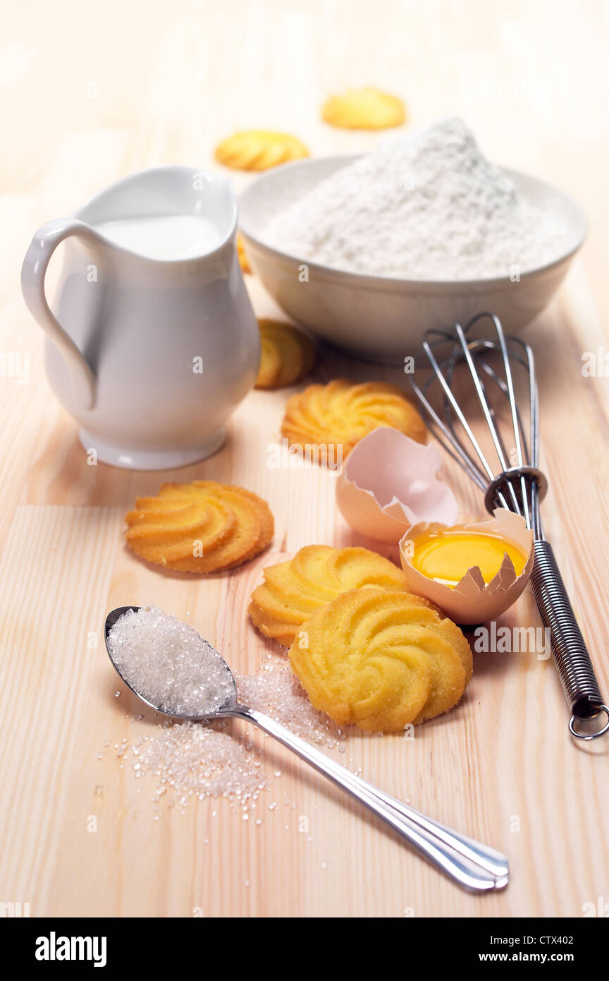 Making baking simple cookies with fresh ingredient at home for What are the ingredients for making cake