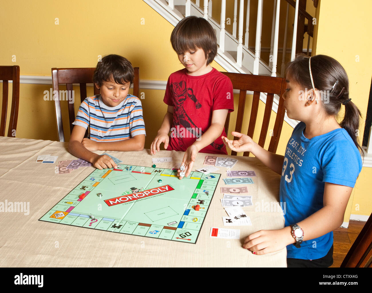 Monopoly Kids Board Game How To Paly