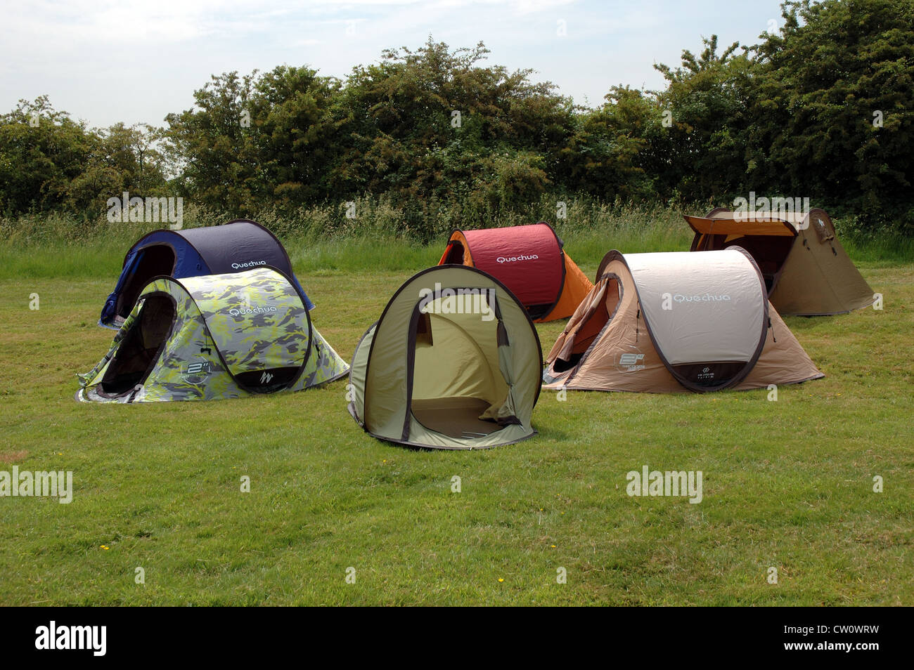 Group of instant pitching pop-up tents ideal for beginner c&ing and festivals & Group of instant pitching pop-up tents ideal for beginner camping ...