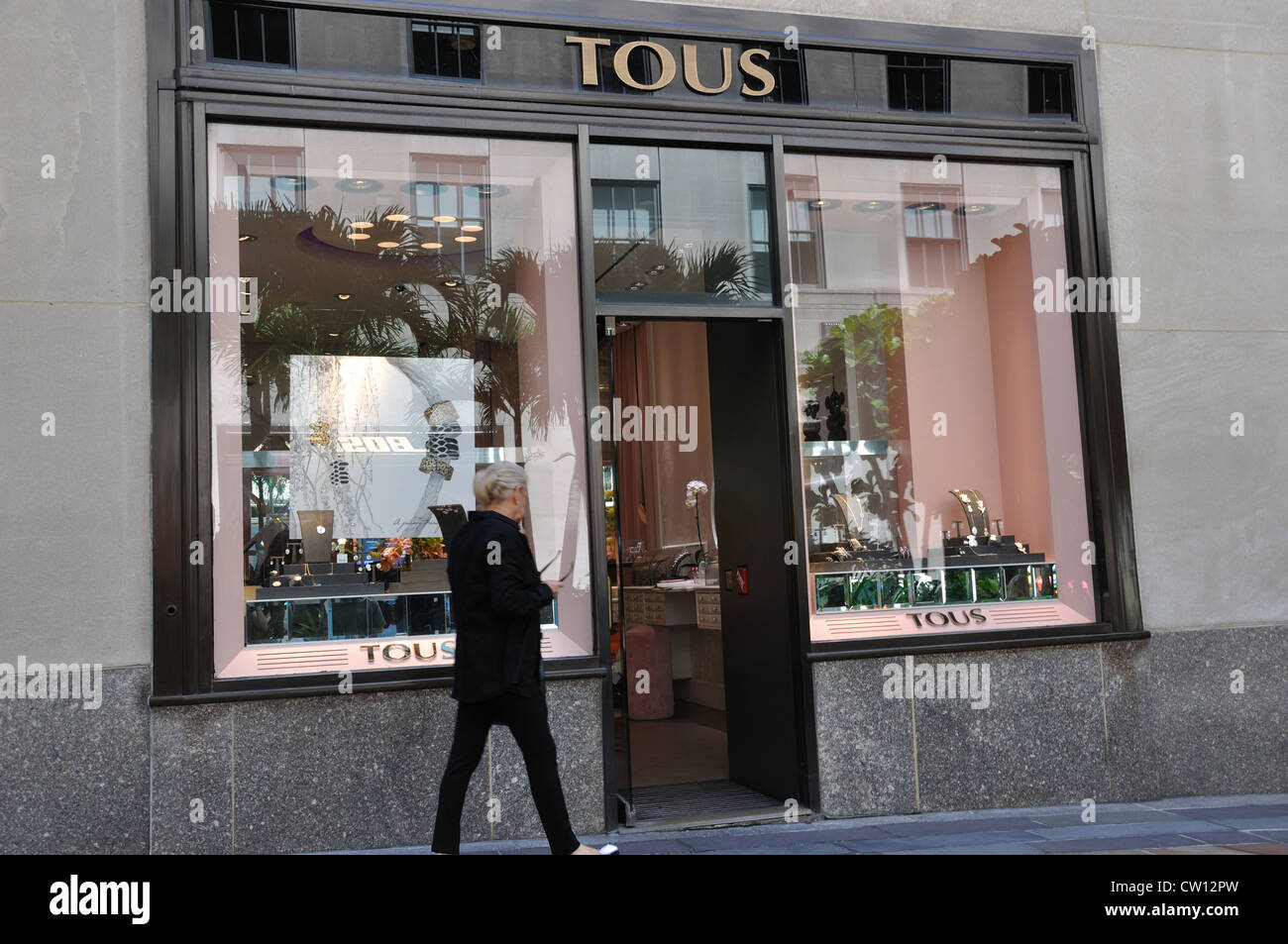 Tous jewelry store new york usa stock photo 49811297 for Jewelry stores in new york ny
