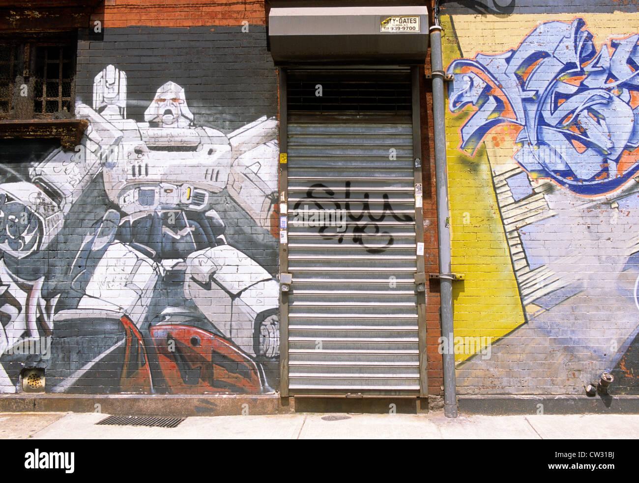 Graffiti wall painting - New York East Spanish Harlem Graffiti Wall Painting In The Barrio Usa