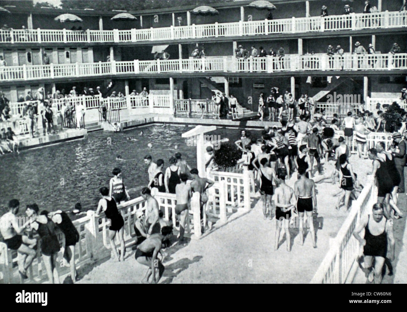Paris the molitor swimming pool in auteuil 1929 stock for Molitor swimming pool paris