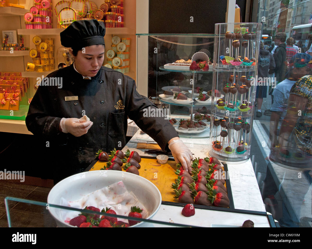 Godiva Chocolate Store Fifth Avenue New York City ( Godiva Stock ...