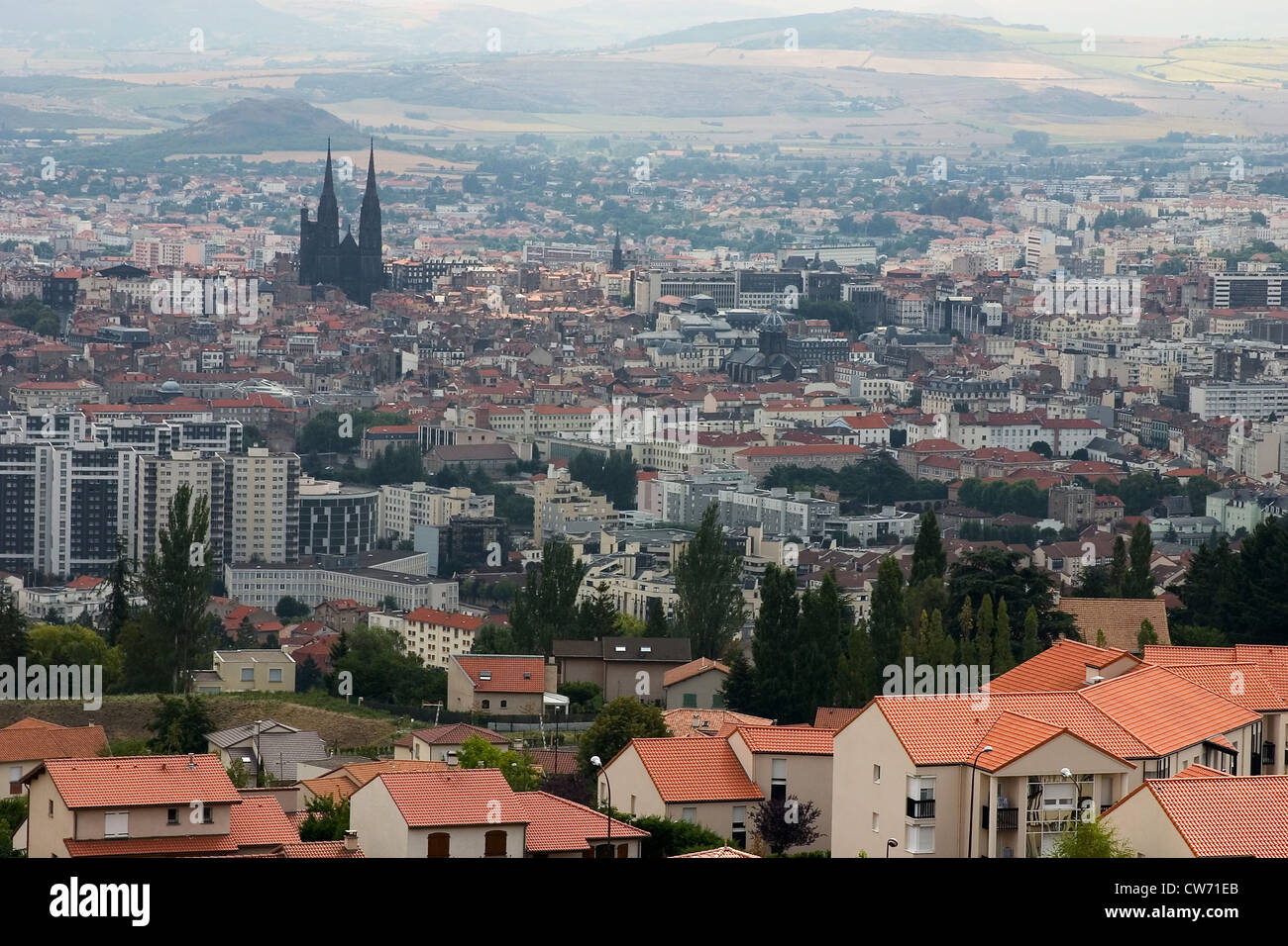 view onto clermont ferrand with cathedral france auvergne clermont stock photo royalty free. Black Bedroom Furniture Sets. Home Design Ideas