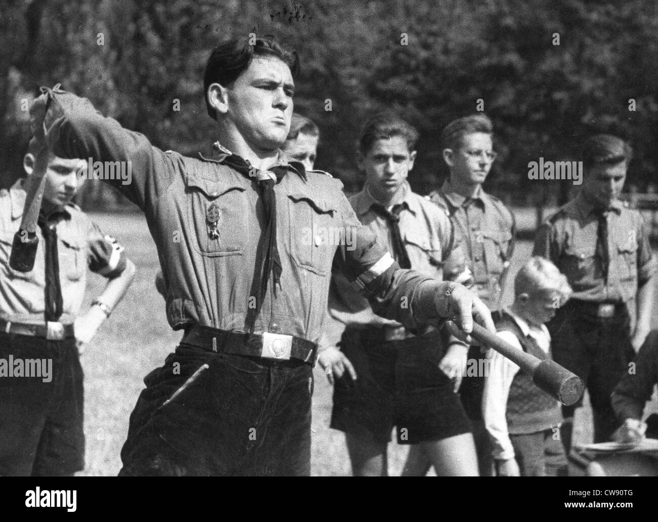 hitler and hitler youth On september 1st, 1939, hitler's armies invaded poland six years of war would  follow with the full participation of the hitler youth eventually down to the.
