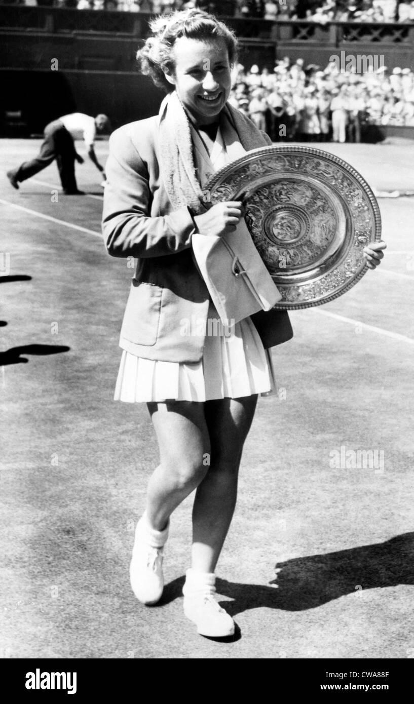 Maureen Connolly holds the 1952 Wimbledon trophy Courtesy CSU