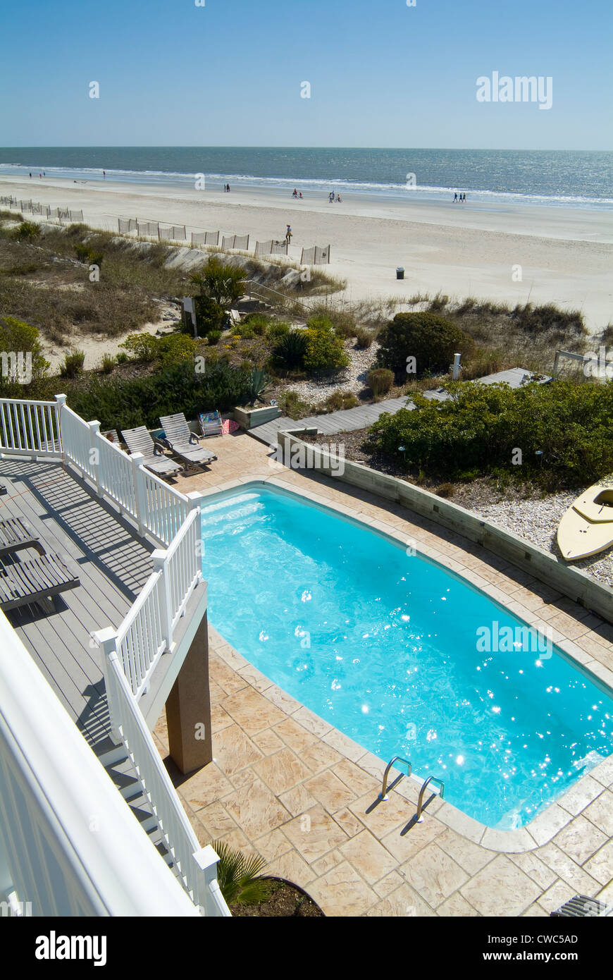 Swimming pool at beach front house hilton head south - Hilton swimming pool ...