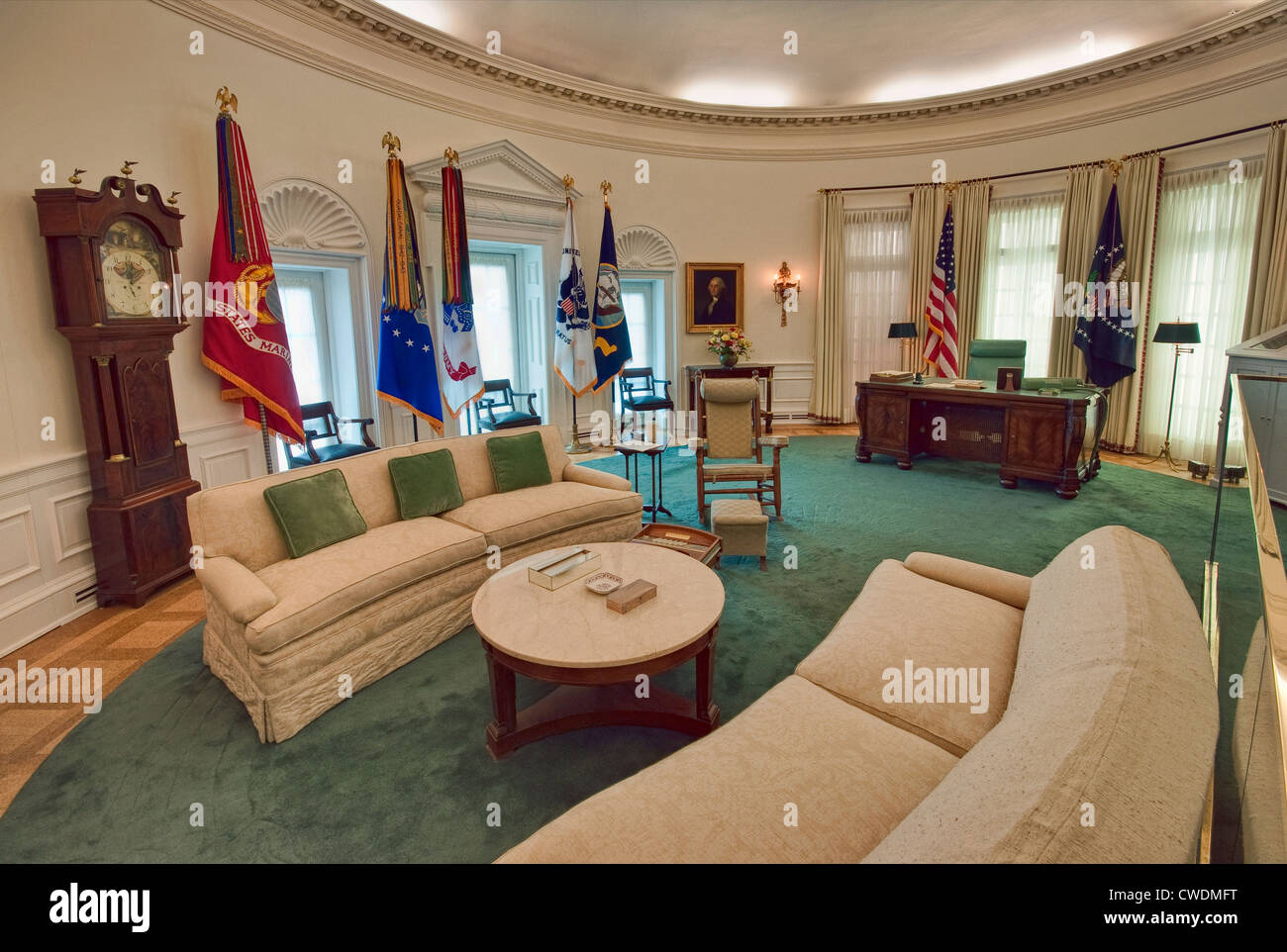 White House Inside Oval Office The