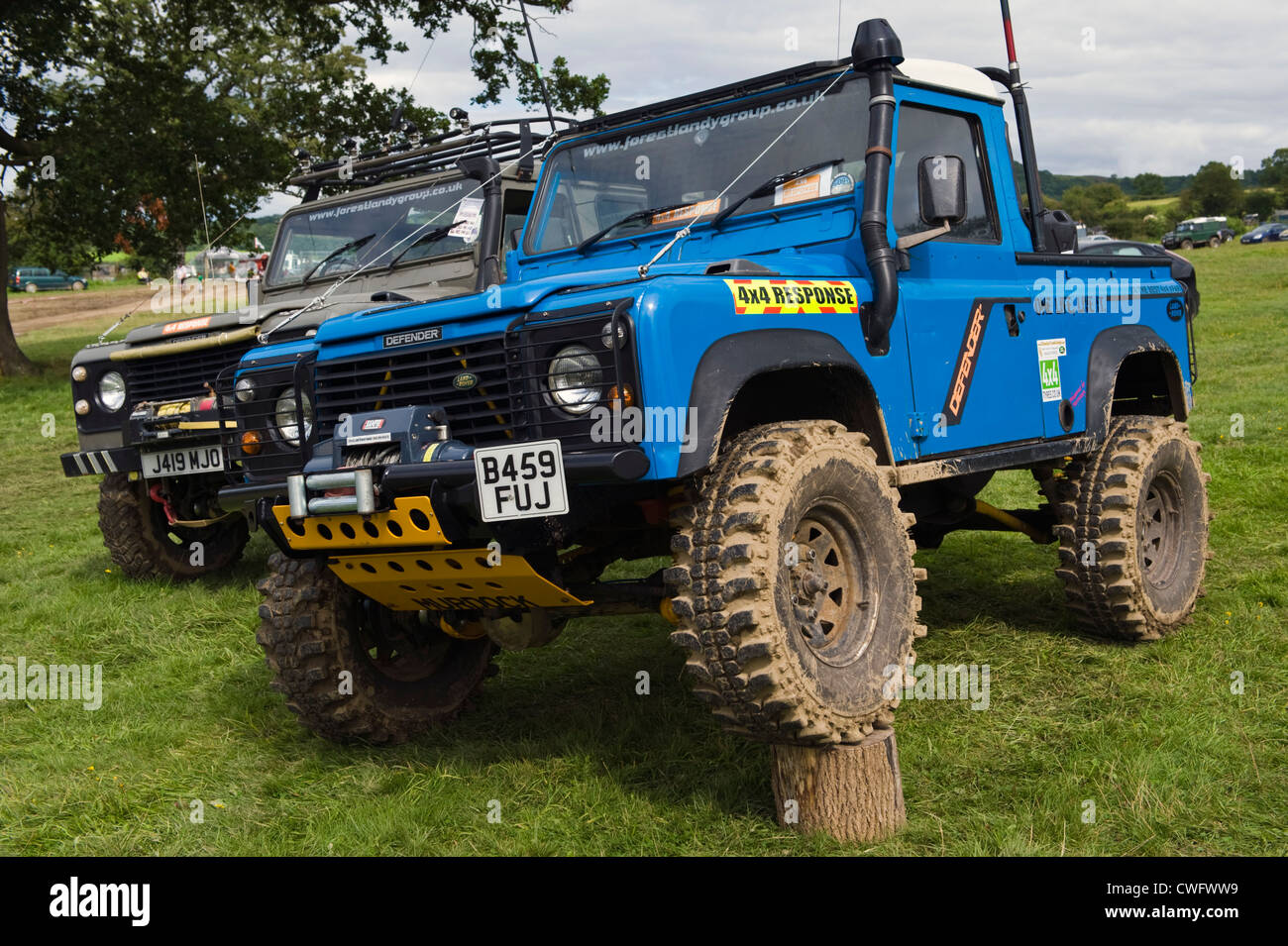 highly modified 4x4 land rover defender 90 for extreme offroading at stock photo 50136725 alamy. Black Bedroom Furniture Sets. Home Design Ideas